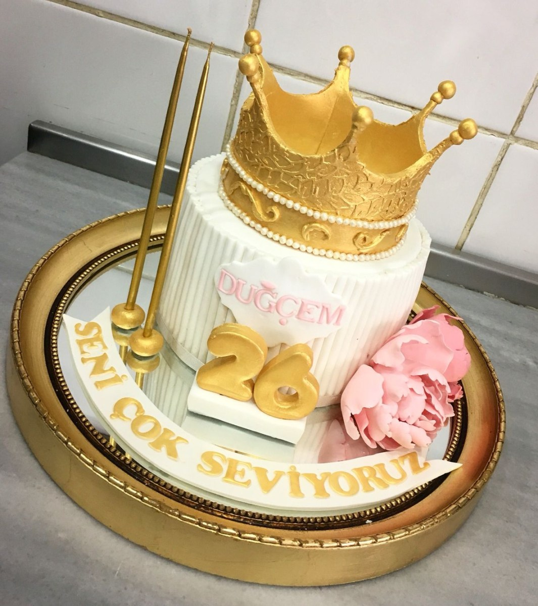 Astounding Pictures Of Birthday Cakes For Adults Queen Crown Birthday Cake Funny Birthday Cards Online Alyptdamsfinfo