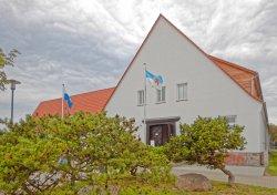 Bild: Das Heimat- und Marinemuseum in der Schulstraße 19 in Dranske auf der Insel Rügen. Klicken Sie auf da Bild um es zu vergrößern.