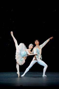 Theme and Variations - Momoko Hirata and César Morales - photo Bill Cooper