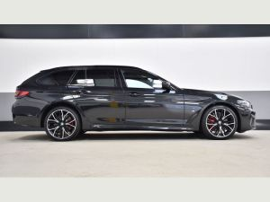 BMW 5 SERIES TOURING - Sports car Hire