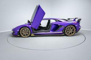 Lamborghini Aventador prestige car hire