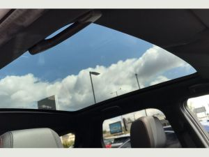 Land Rover Discovery Sport birmingham limo service