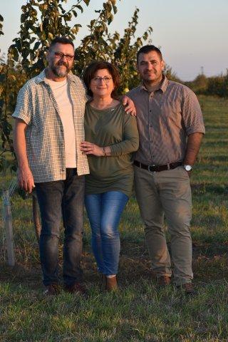 Bükkábrány birs ültetvény - Jakab János szülőkkel