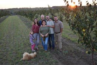 Bükkábrány birs ültetvény - együtt a család!
