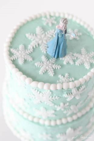 Frozen Birthday Snowflake Inspired Cake