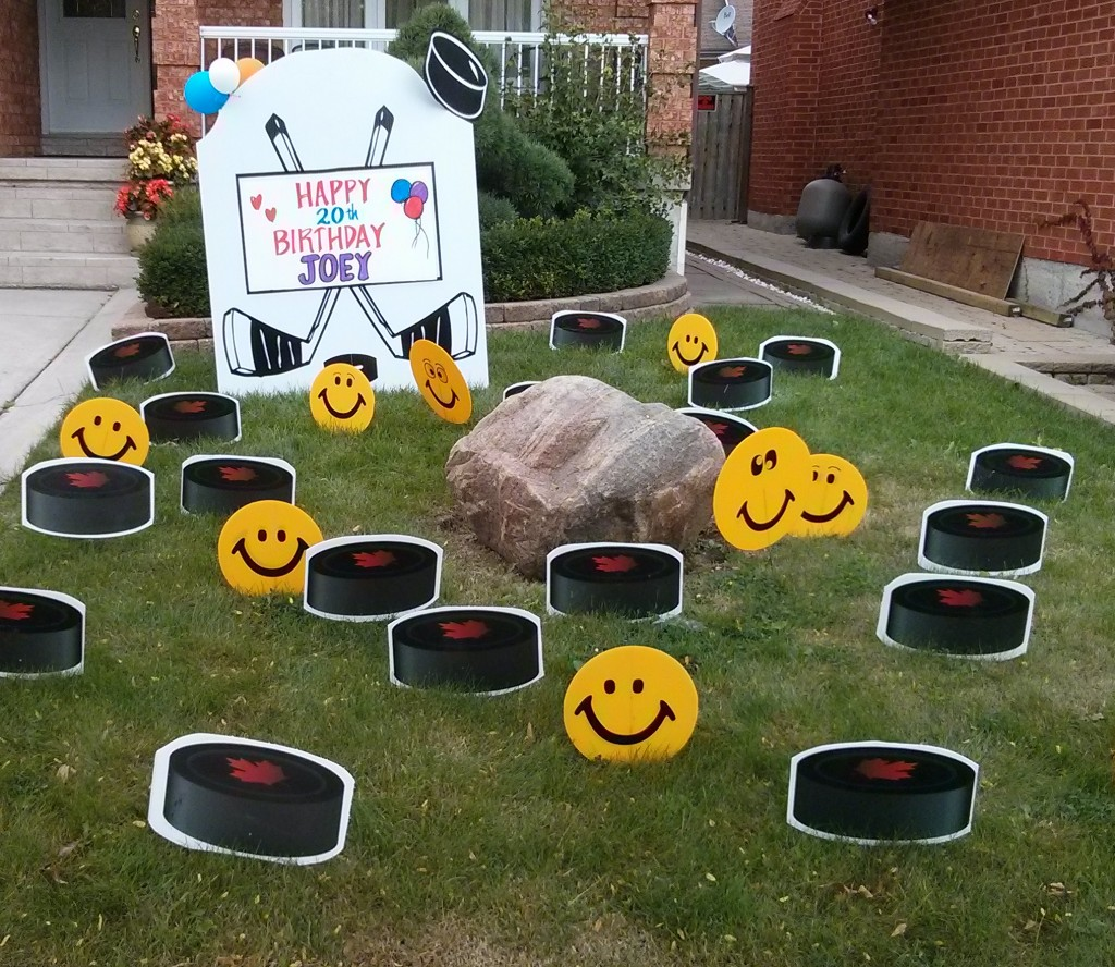 Cake Lawn Signs With 80 Pink Flamingos Hockey Sign Pucks And Smiley Faces