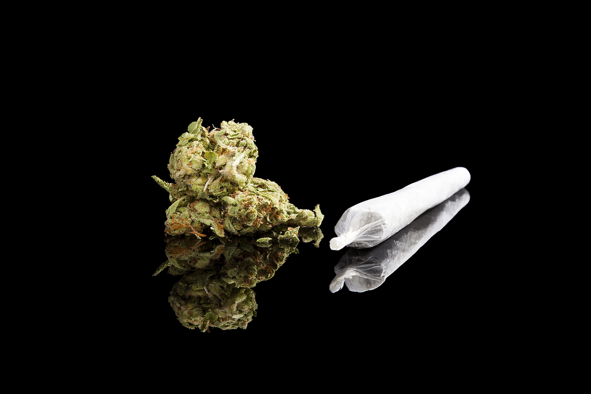 Celebrate The Classy Cannabis Lover With These Stoner Gift Ideas