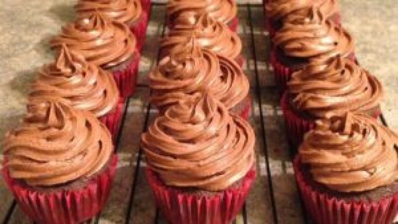 Chocolate Cookie Buttercream Frosting Recipe