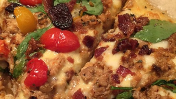 How To Prepare Blackened Chicken Alfredo Pizza