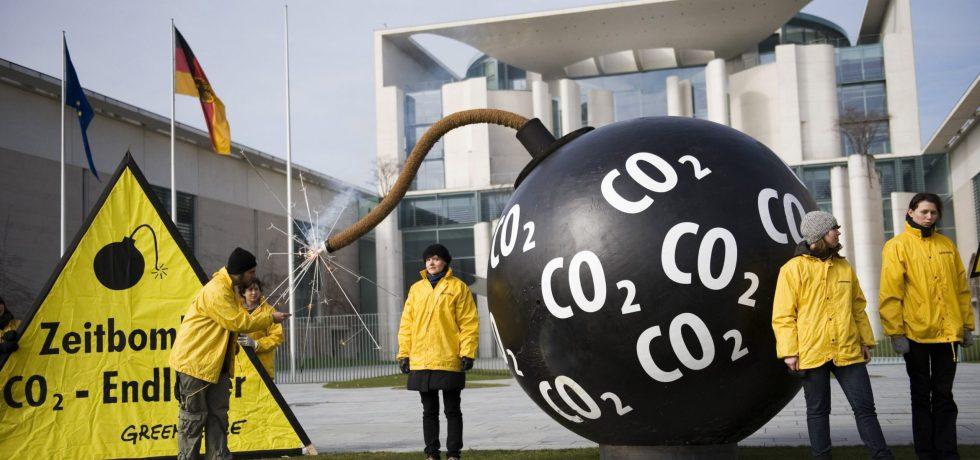 Percobaan Membuat Bom CO2