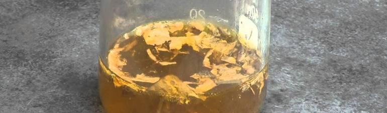 Membuat Cairan Penghancur Logam (Aqua Regia/ Air Raja)