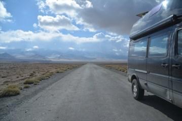 Pamir Highway: M41/ Sprinter 4x4 à vendre