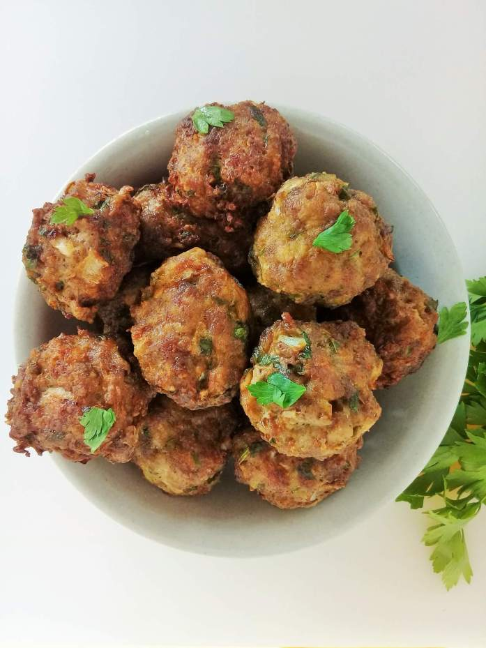 Irresistible beef meat balls, serve as appetizer, sandwich between bread for snack, save for dinners, etc