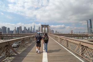 Walk along East-River-Promenade, New York City