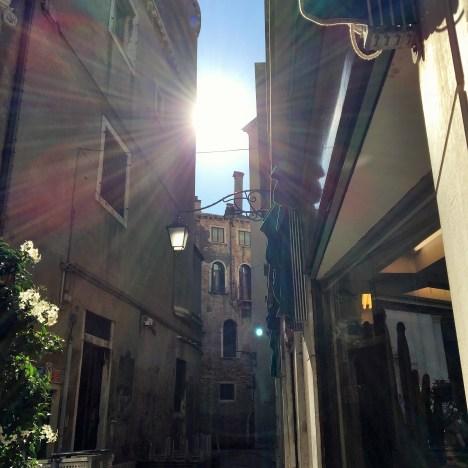 【法意】潺潺流水:威尼斯 Venezia: home to thousands of canals and bridges