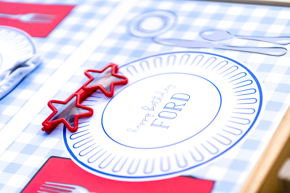 party place setting with star sunglasses