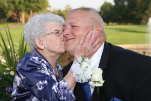 professional family wedding photography affordable Elyria Ohio Bruce Bishop photographer Bishop Photos