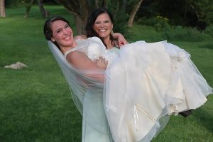 fun wedding photos Elyria Ohio