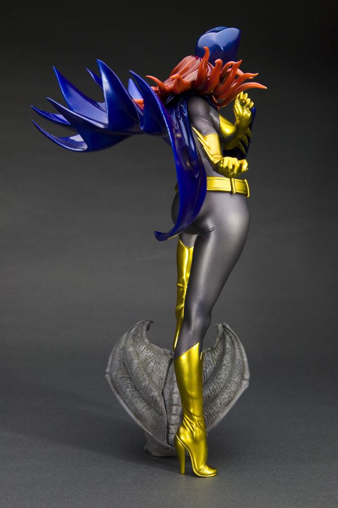 dc-comics-batgirl-bishoujo-statue-5