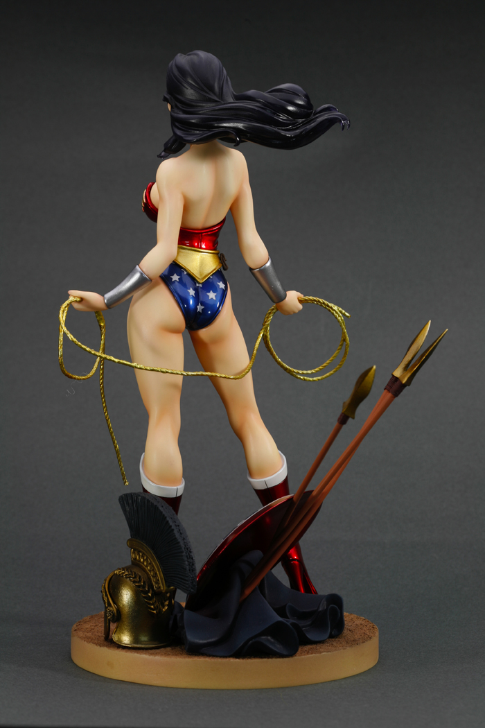 dc-comics-wonder-woman-bishoujo-statue-11