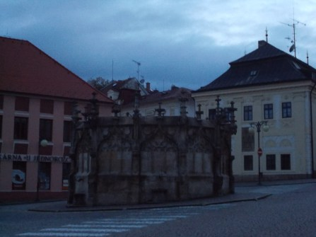 It's getting dark - time for some beer in Kutná Hora.