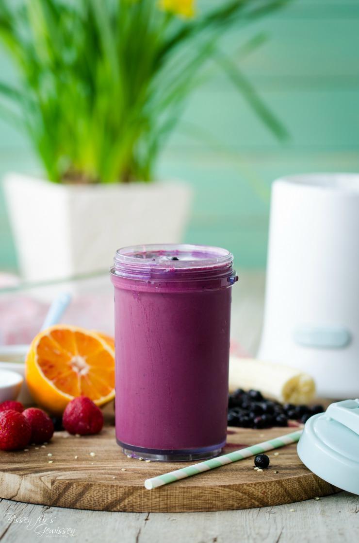 schnelle Smoothies to go - Heidelbeer-Joghurt
