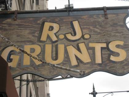 RJ Grunts in Lincoln Park, Chicago, IL