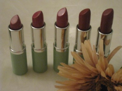 The average women owns five shades of lipstick.