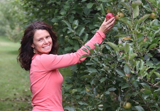 J apple picking 6
