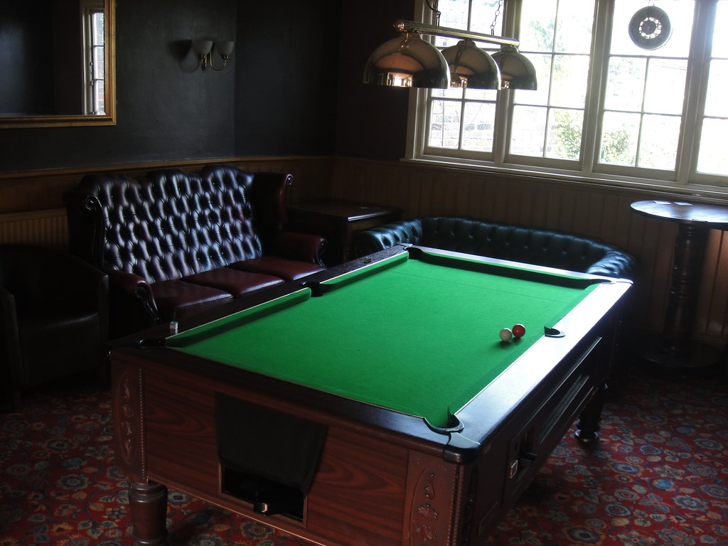 PUB POOL TABLE POOL TABLE 32 ROUND DINING TABLE Bloghr