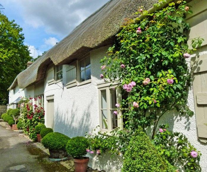 Avebury, village, Shell book