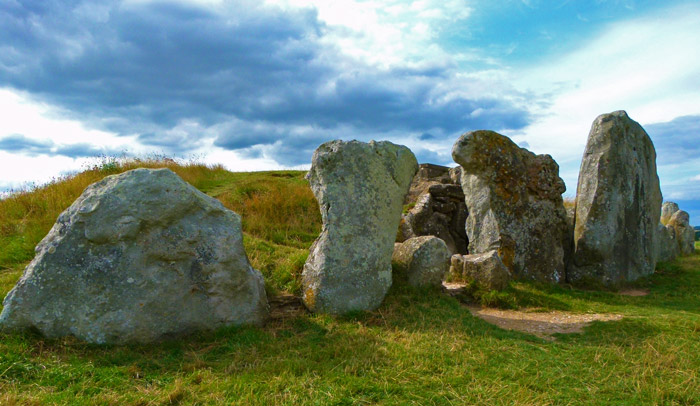 West Kennet, long barrow, burials, prehistoric, Wiltshire
