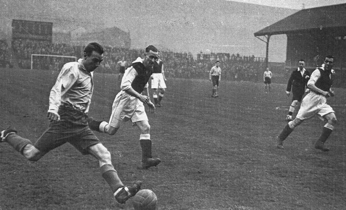 Soccer, Stanley Matthews, football clubs, Victorian Britain
