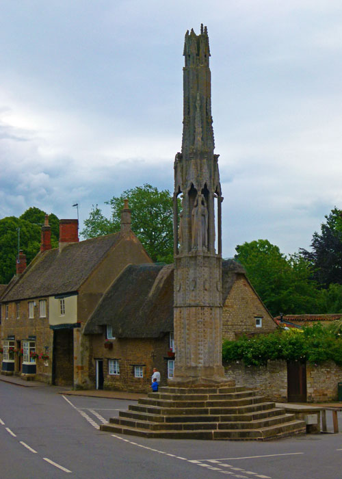 Eleanor Cross, Geddinton, Northamptonshire