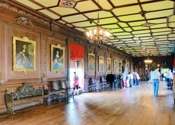 Tudor long gallery, Chirk Castle