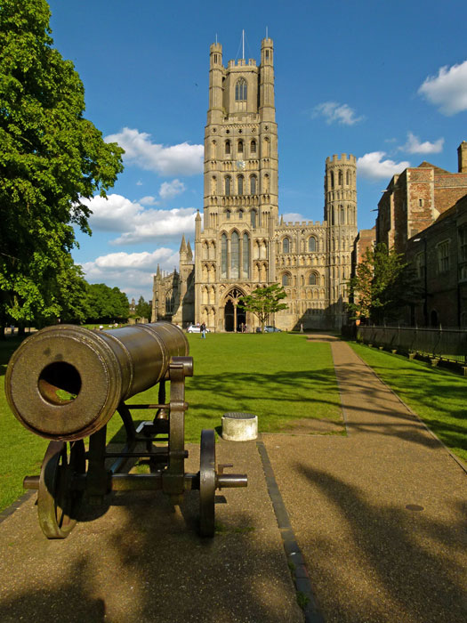 Ely Cathedral and the Russian cannon on the village green