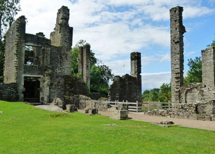 Berry Pomeroy Castle. ruins, Great Hall, kitchen, loggia.