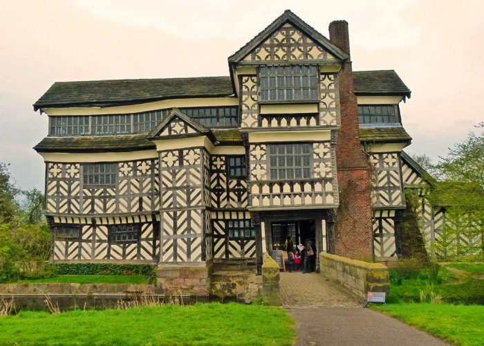 Little Moreton Hall, moated Tudor house, Cheshire