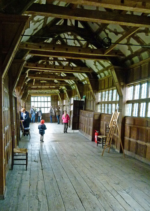 Little Moreton Hall, Long Gallery, Tudor construction