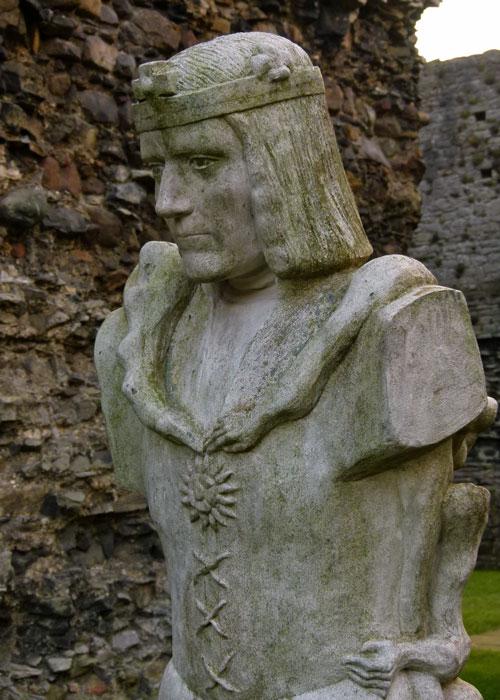 Richard III, statue, Linda Thompson, Middleham