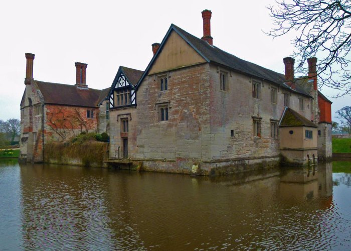 Visit Baddesley Clinton, National Trust, West Midlands