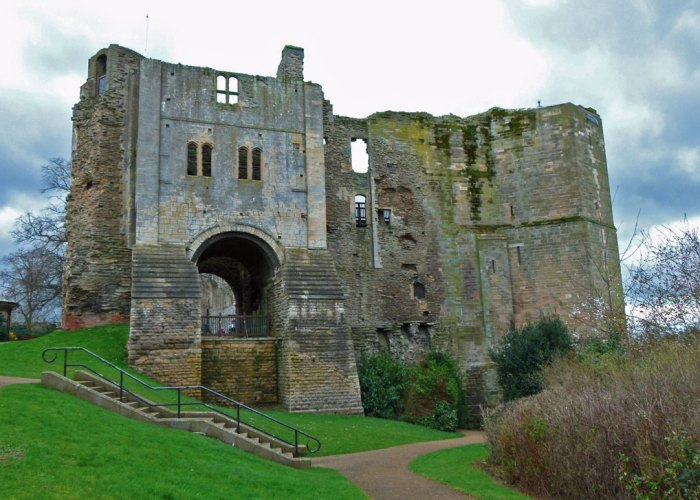 Norman gatehouse, Newark Castle, Nottinghamshire, castles to visit