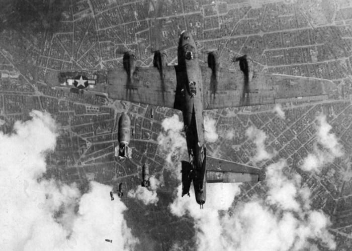 B17, bomber, Berlin, bombing, WW2
