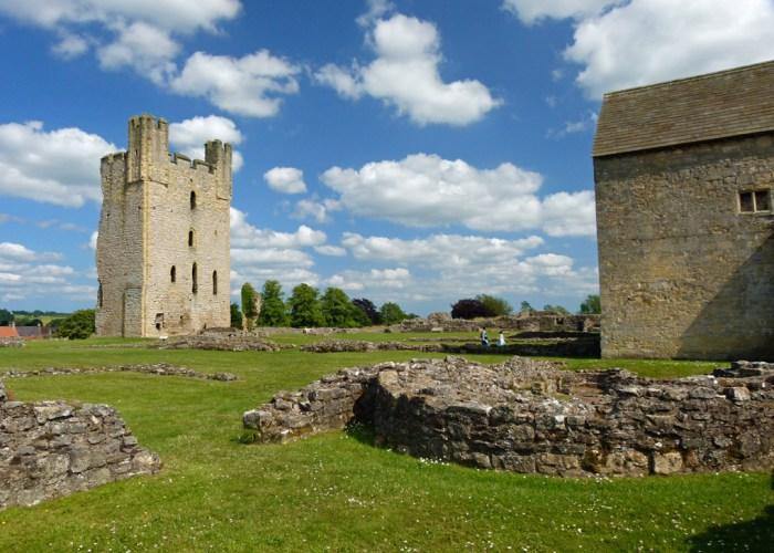 Picnic, Helmsley, medieval castles, Britain