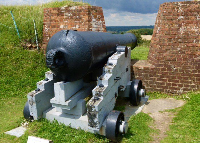 Fort Nelson, Visit, Hampshire, cannon