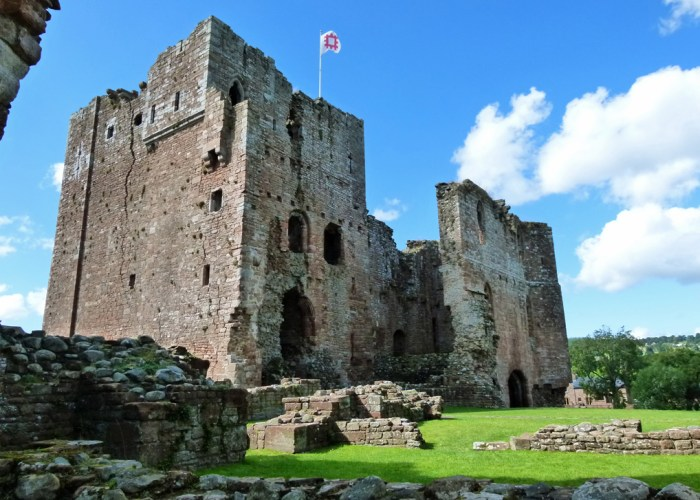 Brougham Castle, keep, gatehouse, places to visit in Cumbria