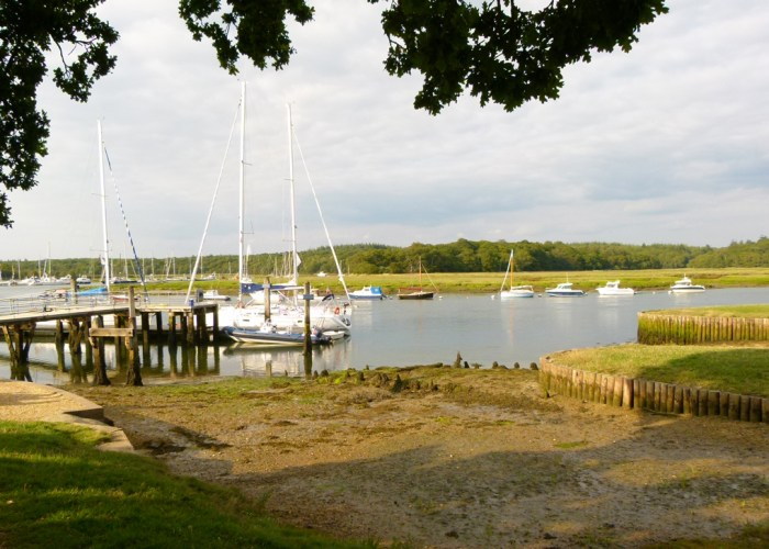 Slipways, building ships, Hampshire, Royal Navy, history