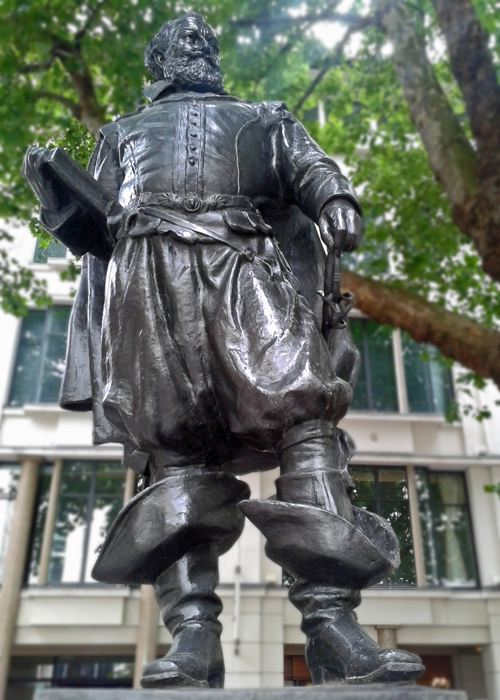 John Smith, statue, St Mary le Bow, London