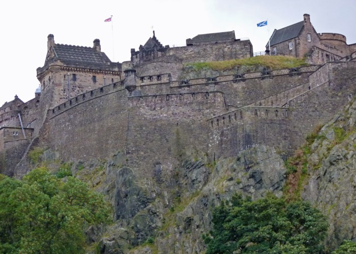 Edinburgh Castle, besieged, Robert the Bruce