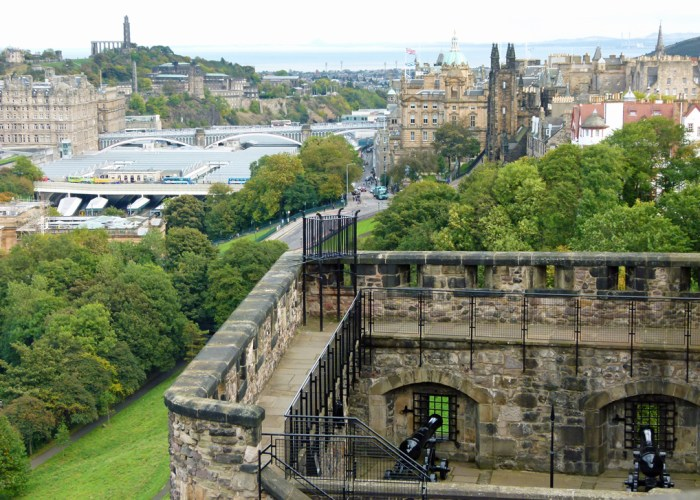Edinburgh Castle, cannons, battlements, views, visit Edinburgh